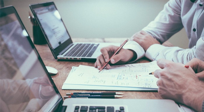 Wij geven 5 tips voor het selecteren van de juiste CRM-software voor MKB-ondernemingen. Door het aanbieden van meerdere CRM-systeem bieden wij CRM-oplossingen op maat en kunnen wij je helpen bij het kiezen van een passend CRM.